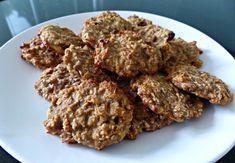 koekjes met havermout en bananaan. verder hoeft er niks in, maar rozijnen/kaneel/kokos/chocolade etc zijn wel lekker. ze kunnen ook in de vriezer, daarna opwarmen in broodrooster (worden ze lekker knapperig van)