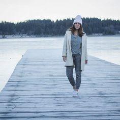Buenos días!!! Ya tenemos nuevo look en el blog!! / Good morning!! look on the blog!!! #fashionavenue #fashion #post #blog #ice #cold #winter #ootd #outfit #style #look #lookoftheday by adrianavenue