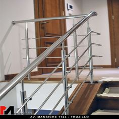 Staircase Design Modern, Staircase Railing Design, Modern Stair Railing, Home Stairs Design, Modern Stairs, Balcony Grill Design, Balcony Railing Design, Window Grill Design, Balustrade Inox
