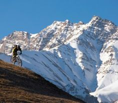 Getting there | About Nepal | Rough Guides
