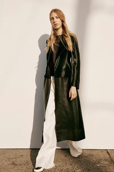 Calvin Klein Collection Pre-Fall 2016 Fashion Show  ** I need this coat to apparate onto me now
