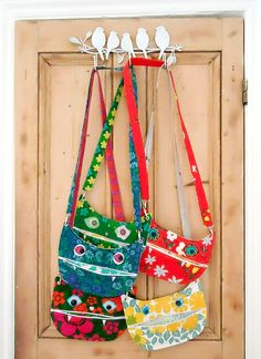 modflowers: handmade vintage fabric cat bags