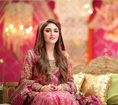 Absolutely stunning on her mehndi, Fatima looks beautiful in a classic angarkha in festive shades of pinks! Pakistani Bridal Makeup, Bridal Mehndi Dresses, Pakistani Wedding Dresses, Indian Bridal, Pakistani Couture, Bride Dresses, Asian Wedding Dress, Desi Wedding, Desi Bride