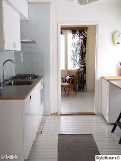 keittiö,remontti kesken,nojatuoli,rintamamiestalo,remontti
