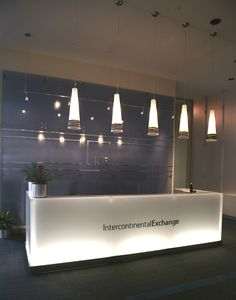 clean modern front desk ICE_NYTC_Reception_1.jpg (502×640)
