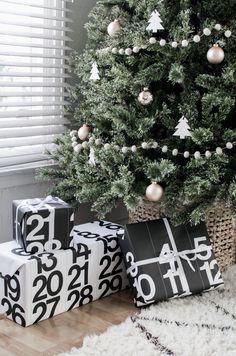 scandinavian_christmas_simplistic_tree_copper