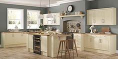 Beautiful classic country kitchens on display in Swindon, Wiltshire at our showroom & workshop. Please visit us today to see your dream country kitchen.