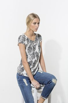 Alena Savostikova #ss15 #tops #model #fashion #casual #look #distressedjeans #photoshoot