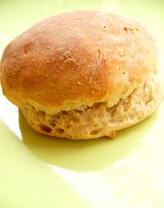 Petits pains à la pomme de terre : potato bread rolls