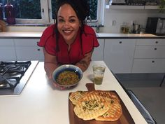 Dahl van rode linzen & boerenkool met naanbrood (38) Naan, Waffles, Good Food, Favorite Recipes, Breakfast, Turmeric, Morning Coffee, Waffle, Clean Eating Foods