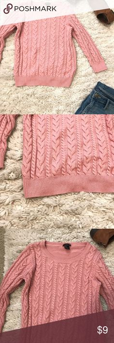 H&M Basic Blush Sweater Gently used sweater from H&M. Beautiful blush color. Perfect for leggings & a scarf! Poly blend. H&M Sweaters Crew & Scoop Necks