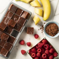 Curb your sweet cravings with our 5 minute chocolate raspberry smoothie recipe, made with almond milk. Chocolate Almond Milk, Frozen Chocolate, Unsweetened Chocolate, Chocolate Recipes, Protein Smoothie Recipes, Vegan Smoothies, Breakfast Smoothies, Smoothie Drinks, Smoothies With Almond Milk