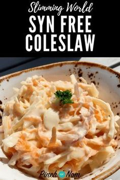 Coleslaw is a classic side dish to accompany salads and there& a lot of Slimming World recipes out there. This is how we make our Syn Free Coleslaw. Slimming World Free, Slimming World Dinners, Slimming World Recipes Syn Free, Slimming World Syns, Slimming Eats, Slimming World Syn Calculator, Slimming World Porridge, Healthy Eating Recipes, Cooking Recipes