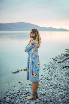 THE WILSON FLORAL TIE DRESS IN PERIWINKLE// DRESSES// WOMENS CLOTHING