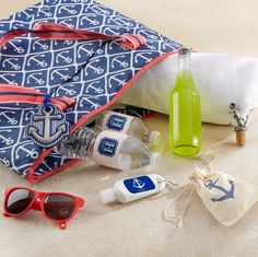 Pack your bags and get ready for some fun in the sun with these beach bound essentials! | #beachwedding #destinationwedding #nauticalwedding #welcomebag