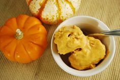 Pumpkin Pie Frozen Yogurt - 2 points + (Greek yogurt & pumpkin puree)