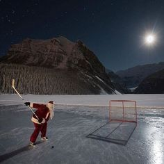 "Slap shot Santa Merry Christmas on behalf of @tourcanada we hope you have a joyous and happy Christmas with your family and friends! ""Amazingly, Mr Claus found the time for a little shinny hockey last night at Lake Louise."" Photographer 