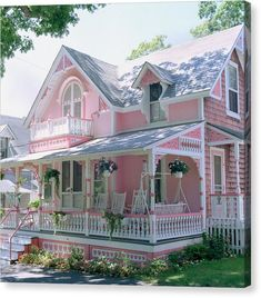 Pink Victorian Cottage - love this house, this is what my dream home would look like! Cottage Shabby Chic, Cozy Cottage, Shabby Chic Decor, Cottage Style, White Cottage, Shabby Chic Mirror, Shabby Chic Pink, Cottage House, Farm House