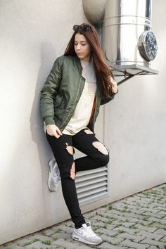 Bomber Jackets, Pug, Youtubers, Hair Beauty, Dressing, Celebrity, Women's Fashion, Outfits, Clothes