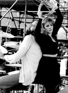 Stevie Nicks' Style Is Bohemian Cool At Its Finest (PHOTOS)