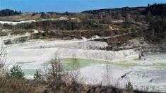 Kopalnia kredy w Mielniku to jedyna czynna w Polsce odkrywkowa kopalnia kredy, którą wydobywa się tutaj od XVI wieku, a na skalę przemysłową od XX.