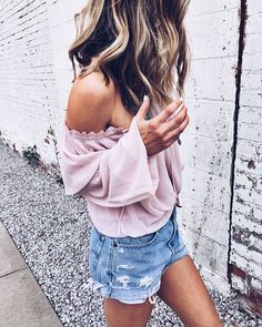 Overnight curls, off the shoulder mauve top and denim shorts. What else does a California Girl need!