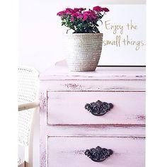 CUSTOM #dresser in #anniesloan Antoinette #vintage #brisbane #qld #silkyoak #sustainable #womenwhodiy #interiors #chalkpaint #recycledfinds #anniesloanchalkpaint
