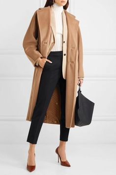 Camel Coat outfits are a modern classic, and the best way to stay warm, chic, sexy, and sophisticated this winter. Though Camel Coats has been a fashi. The Sims, Camel Coat Outfit, Looks Cool, Wool Coat, Coats For Women, What To Wear, Winter Outfits, Autumn Fashion, Fashion Black