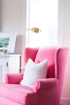 Pink chair | Photography : Kate Osborne Photography Read More on SMP: http://www.stylemepretty.com/living/2016/04/12/color-happy-home-that-pantone-would-drool-over/