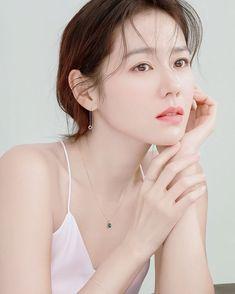 Cute Korean Girl, Asian Girl, Daegu, Jin Photo, Lee Bo Young, Celebrity Stars, Beauty Shoot, Korean Aesthetic, Jewelry Model