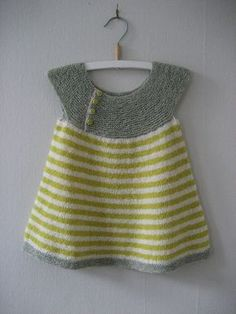 Ravelry: Wilma& Winter 2 in the World of Woollahoo - Knitting . - Ravelry: Wilma& Winter 2 in the World of Woollahoo – Knitting manualidades meninas - Baby Clothes Patterns, Baby Knitting Patterns, Baby Patterns, How To Start Knitting, Knitting For Kids, Free Knitting, Knit Baby Dress, Knitted Baby Clothes, Crochet Baby