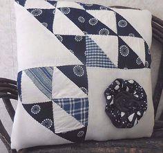 Primitive Vintage Old Handsewn Quilt Top Mini Pillow Tuck Shabby Country Decor #NaivePrimitive #auntiemeowsatticprims