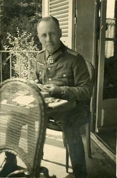 Original photo of Erwin Rommel at home.