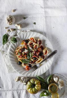 Garlic pasta with tomatoes 3 ways