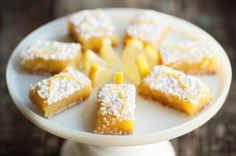 This delicious Meyer Lemon Bars Recipe is delicious as a slice of lemon pie, but so much simpler to make! Plus they can be cut up and carried anywhere you like, making them perfect for sharing! Get the full recipe and video tutorial here. Meyer Lemon Bar Recipe, Lemon Recipes, All Purpose Flour Recipes, Weight Watcher Cookies, Lemon Squares, Ww Desserts, Lemon Bars, Special Recipes, Base Foods