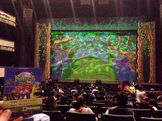 """Visitando en GDL el pantano verde en """"Shrek el musical""""  27/09/14"""