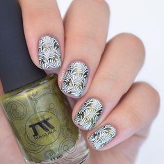 Fulya в Instagram: «leaves stamping over a magnetic polish, inspired by @pshiiit_polish  @masura.ru solar corona (904-200) (with black base and special top coat) @moyou_london tropical 12 & white knight stamping polish @clearjellystamper @nail.needs liquid latex»