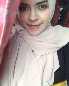 hijaber mupeng #hijaberhotties Muslim Fashion, Hijab Fashion, Hijab Tutorial, Hijab Outfit, Outfits, Style, Swag, Suits, Hijabs