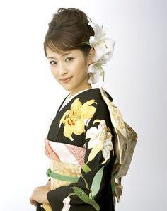 Wedding Kimono: Lilies in kimono print and in hair