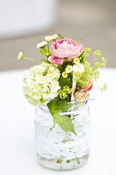 Simple floral arrangement.