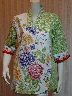 G Blouse Batik, Batik Dress, Traditional Fabric, Traditional Dresses, Mode Batik, Amarillis, Batik Kebaya, Myanmar Traditional Dress, Sewing Blouses