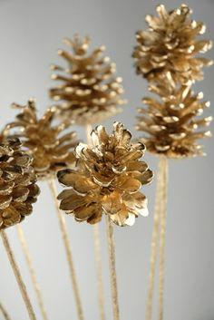 """Pine Cones Gold Leaf 17"""" sticks"""
