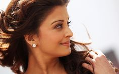 Bollywood Most Beautiful Actress Aishwarya Rai Bio / History