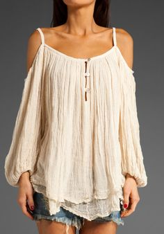 boho/pirate wench top. Love it.