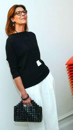 Princess Caroline of Monaco Mature Fashion, Older Women Fashion, Fashion Over 50, Charlotte Casiraghi, Andrea Casiraghi, Mode Outfits, Fashion Outfits, Fashion Trends, Albert Von Monaco