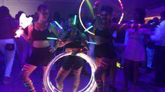 Show de circo led em evento corporativo da empresa Marsh, performance exclusiva de Humor e Circo Produtora. Malabaristas de luzes com body paint fluorescente no Espaço Onix em São Paulo.  Contate-nos humorecirco@gmail.com  (11) 97319 0871  (21) 99709 6864  (73) 99161 9861 whatsapp. Body, Humor, Concert, Giant Bubbles, Openness, Lights, Corporate Events, Artists, Humour