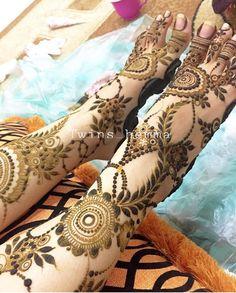 ✖️Art. Fashion. Ideas. Home Decor ✖️More Pins Like This One At FOSTERGINGER @ Pinterest✖️ Khafif Mehndi Design, Stylish Mehndi Designs, Mehndi Designs For Girls, Dulhan Mehndi Designs, Beautiful Mehndi Design, Best Mehndi Designs, Mehndi Designs For Hands, Heena Design, Leg Henna