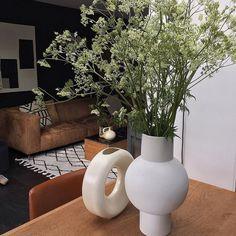 Fluitenkruid Vase, Interior Design, Instagram, Plants, Home Decor, Pictures, Nest Design, Decoration Home, Home Interior Design