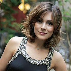 60 shoulder length hair cuts with layers 2019 00136 ~ Litledress Layered Haircuts Shoulder Length, Shoulder Length Hair, Medium Hair Styles, Curly Hair Styles, Trendy Haircut, Great Hair, Hair Today, Hair Looks, Pretty Hairstyles