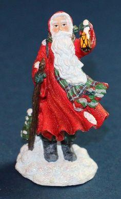 Pipka's Miniature Collection 2002 - Pipka Midnight Visitor Santa #13756 #pipkasanta #santaclaus #santalanternfigurine #santafigurine #midnightvisitor